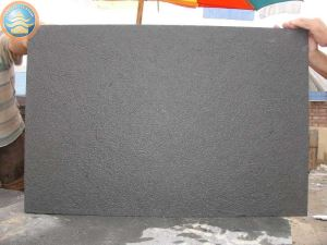 Chinese Black Basalt Cobbles for Paving Stone Project